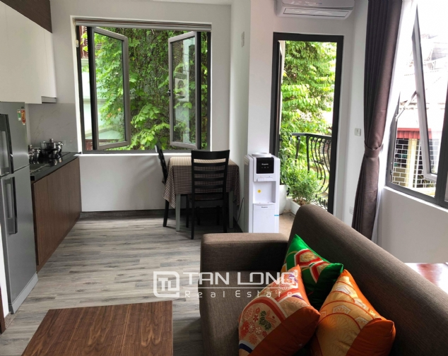Serviced apartment for rent on Tran Quoc Hoan street 1