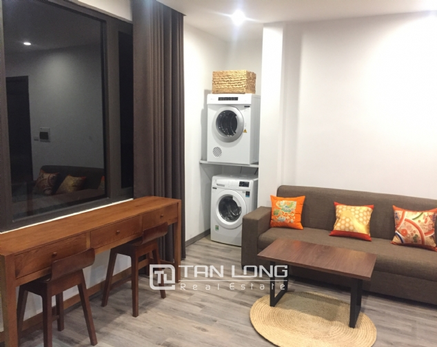 Serviced apartment for rent on Tran Quoc Hoan street 2