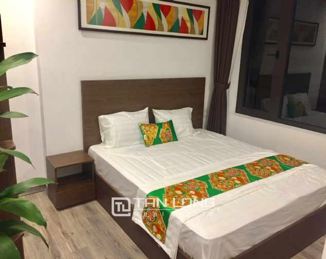 Serviced apartment for rent on Tran Quoc Hoan street 5