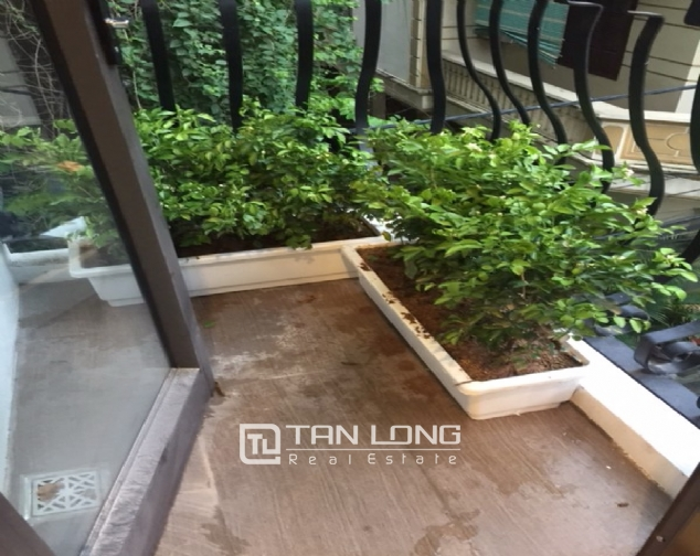 Serviced apartment for rent on Tran Quoc Hoan street 6