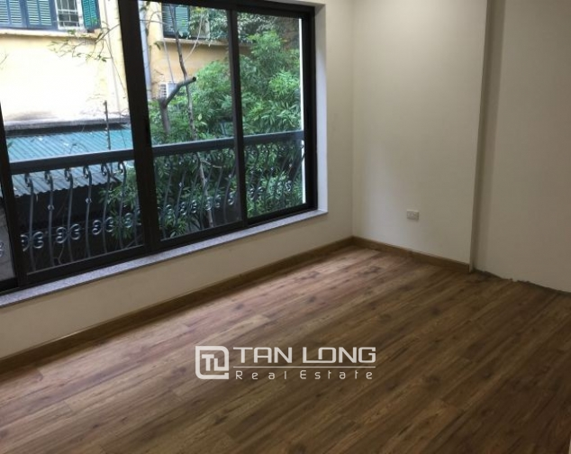 Serviced apartment in Tran Quoc Toan street, Hoan Kiem dist for lease 7
