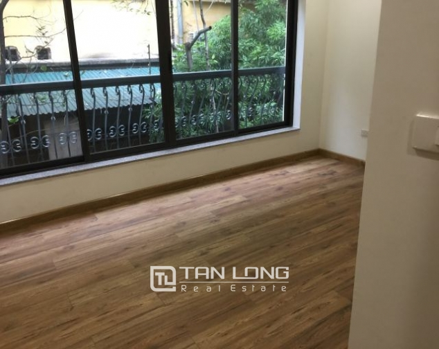 Serviced apartment in Tran Quoc Toan street, Hoan Kiem dist for lease 8
