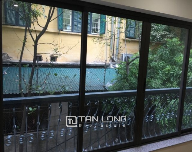 Serviced apartment in Tran Quoc Toan street, Hoan Kiem dist for lease 9