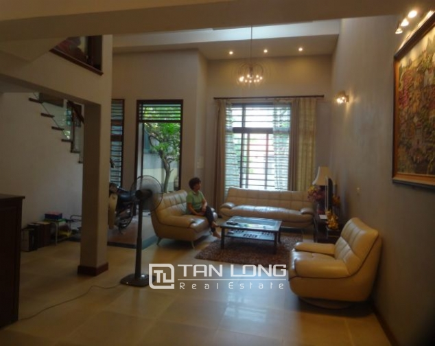 Southwest villa for sale in Finnish road, Au Co, Tay Ho 2
