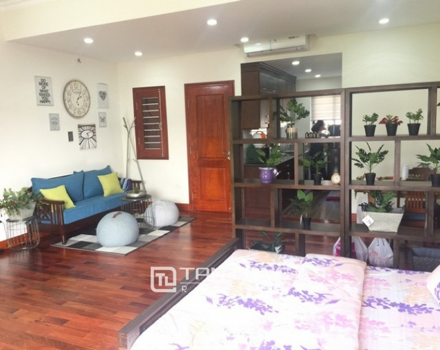 Spacious 1 bedroom service apartment for rent in Ton That Thiep street, Ba Dinh district 3