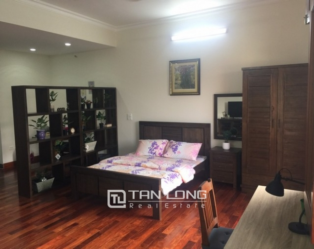 Spacious 1 bedroom service apartment for rent in Ton That Thiep street, Ba Dinh district 4