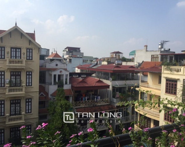 Spacious 1 bedroom service apartment for rent in Ton That Thiep street, Ba Dinh district 5