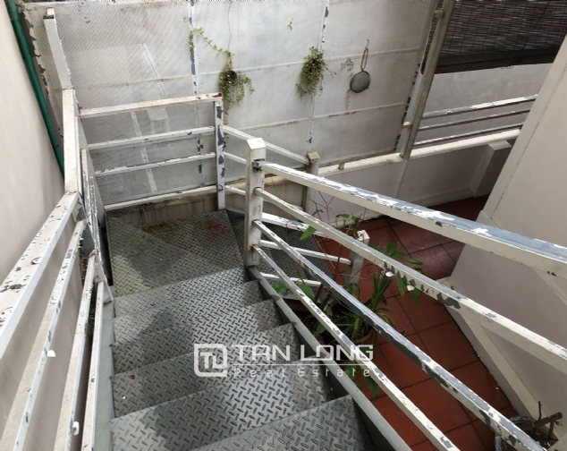 Spacious 1-bedroom apartment on Dang Thai Mai street, Tay Ho district! 1