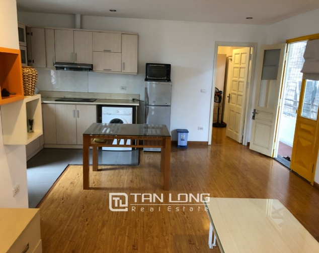 Spacious 1-bedroom apartment on Dang Thai Mai street, Tay Ho district! 2
