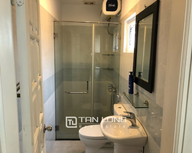 Spacious 1-bedroom apartment on Dang Thai Mai street, Tay Ho district! 4
