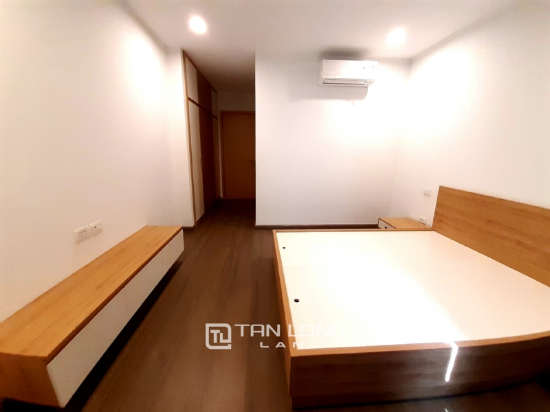 SPACIOUS 2 bedroom apartment for rent in Twin Tower, 265 Cau Giay 11