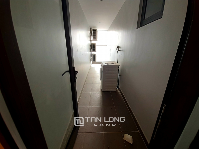 SPACIOUS 2 bedroom apartment for rent in Twin Tower, 265 Cau Giay 14