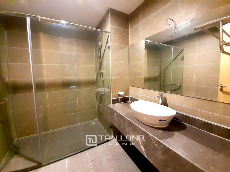 SPACIOUS 2 bedroom apartment for rent in Twin Tower, 265 Cau Giay 15