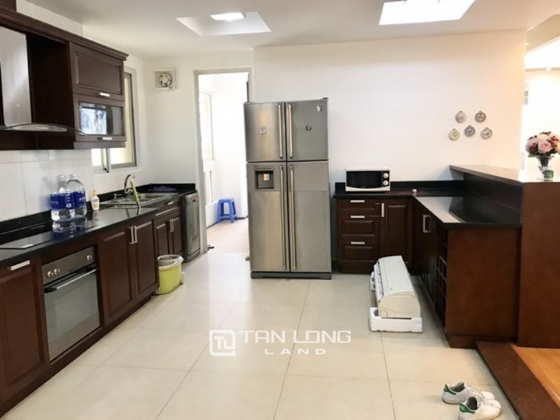 Spacious 3 bedroom apartment for rent in E4 tower Ciputra Tay Ho 1