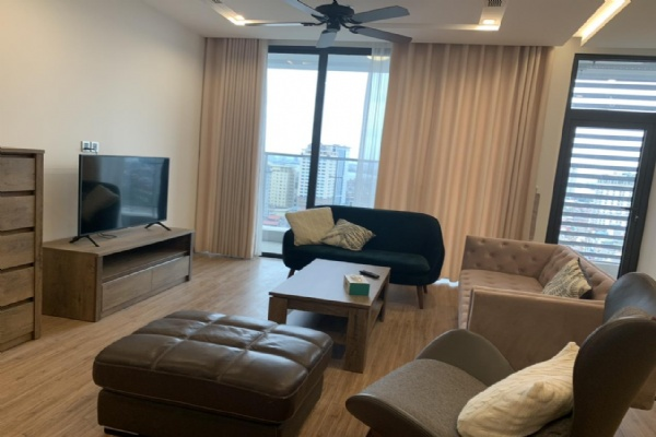 SPACIOUS 3 BEDROOMS APARTMENT NICE VIEW IN VINHOMES METROPOLIS FOR RENT
