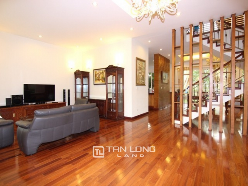 Spacious  350sqm Corner villa for rent in T Block Ciputra with golf view 1