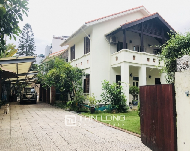 Spacious 5 bedroom villa with garden for rent in Dang Thai Mai, Tay Ho, Hanoi 1