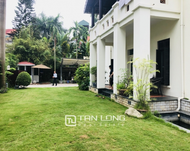 Spacious 5 bedroom villa with garden for rent in Dang Thai Mai, Tay Ho, Hanoi 3