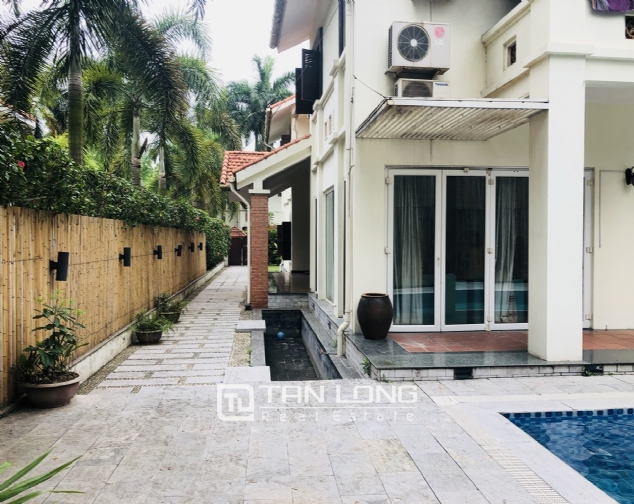 Spacious 5 bedroom villa with garden for rent in Dang Thai Mai, Tay Ho, Hanoi 4