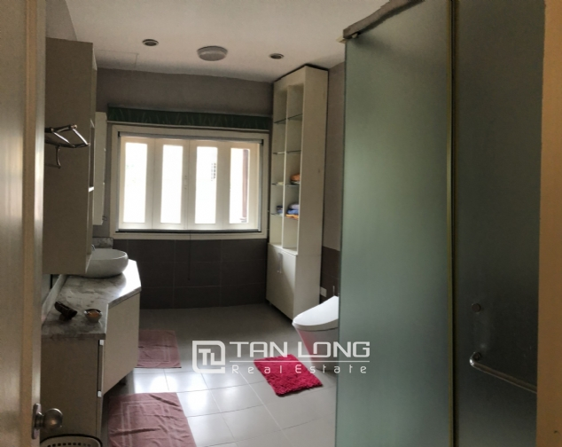 Spacious 5 bedroom villa with garden for rent in Dang Thai Mai, Tay Ho, Hanoi 8
