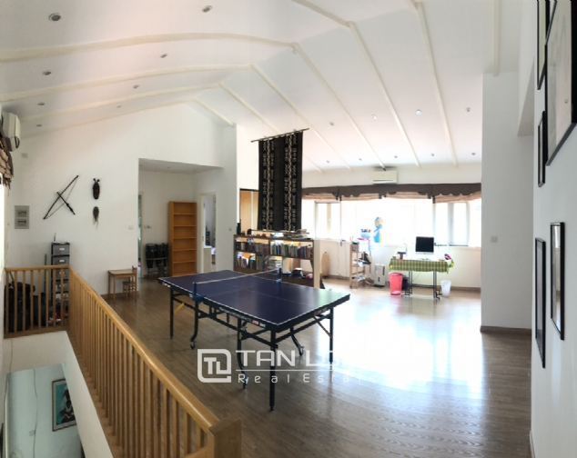 Spacious 5 bedroom villa with garden for rent in Dang Thai Mai, Tay Ho, Hanoi 9