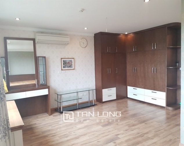 Spacious and fully furnished apartment for rent in P2 building Ciputra 6