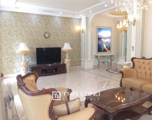 Spacious and gorgeous 5 bedroom villa for rent in T1 block Ciputra 1