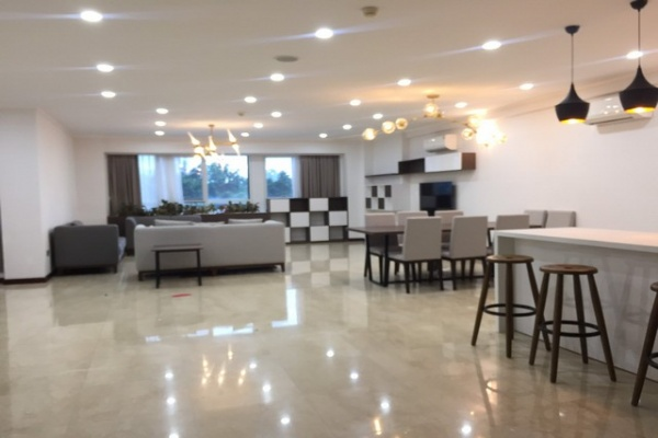 Spacious and modern 4 bedroom apartment 267sqm for rent in L2 tower Ciputra