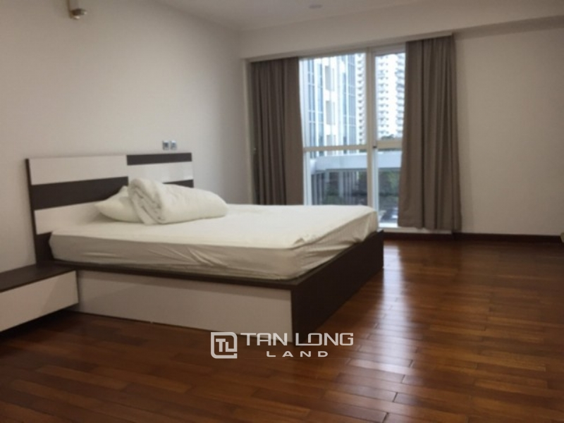 Spacious and modern 4 bedroom apartment 267sqm for rent in L2 tower Ciputra 1