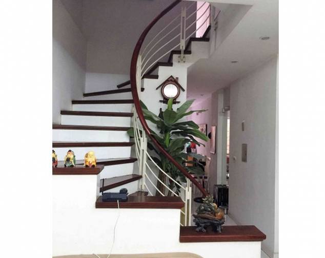 Spacious and modern 4 bedroom house for rent in Hai Ba Trung district 6