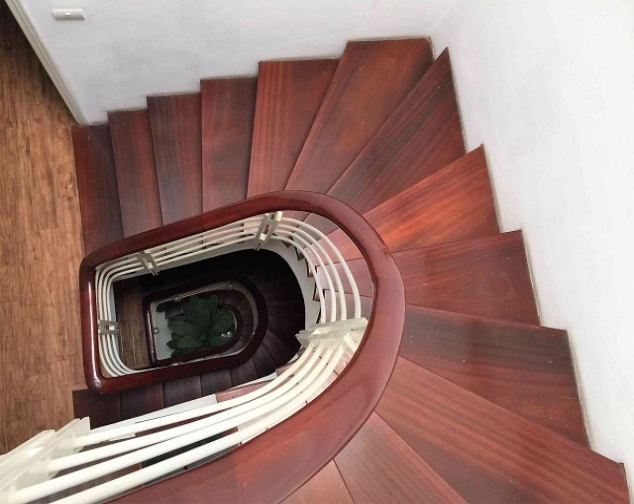 Spacious and modern 4 bedroom house for rent in Hai Ba Trung district 5