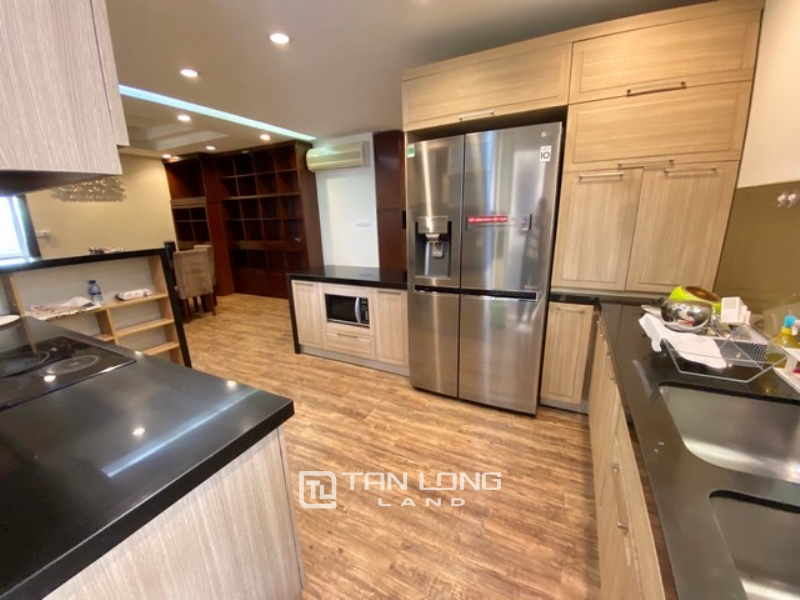 Spacious and Westlake view 3 bedroom apartment for rent in G3 Ciputra Tay Ho 1