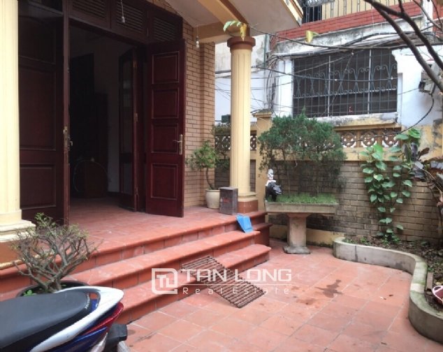 Spacious house with 4 bedroom in Au Co stress, Tay Ho District for rent 2
