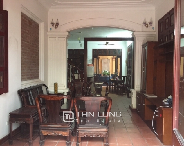 Spacious house with 4 bedroom in Au Co stress, Tay Ho District for rent 3
