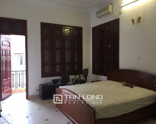 Spacious house with 4 bedroom in Au Co stress, Tay Ho District for rent 6