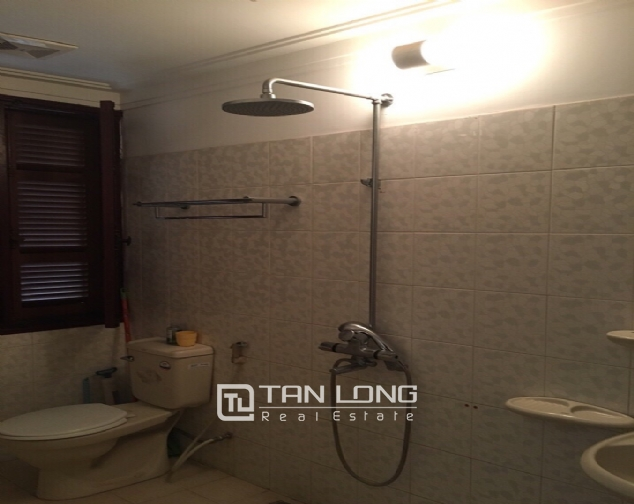 Spacious house with 4 bedroom in Au Co stress, Tay Ho District for rent 8