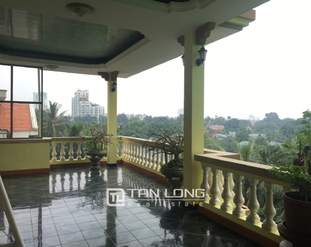 Spacious house with 5 bedrooms for rent on Xom Chua, Dang Thai Mai street! 10