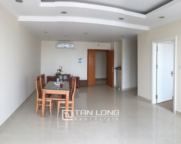 Spacious lakeview apartment in Lac Long Quan str., Tay ho dist., Hanoi for lease 2