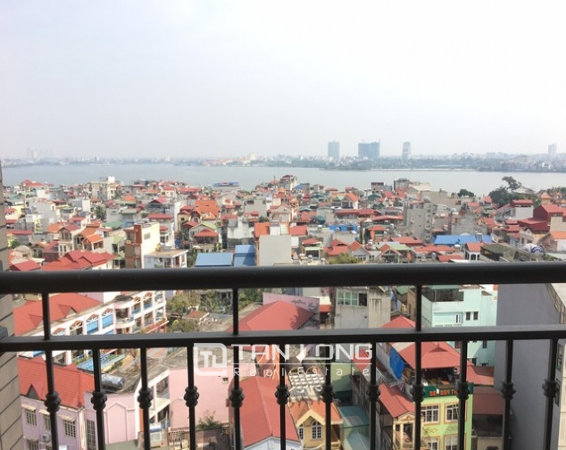 Spacious lakeview apartment in Lac Long Quan str., Tay ho dist., Hanoi for lease 6