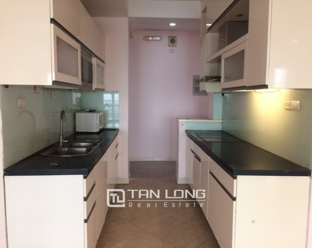 Spacious non furnished 3 bedroom apartment for rent in P building Ciputra, Tay Ho 4