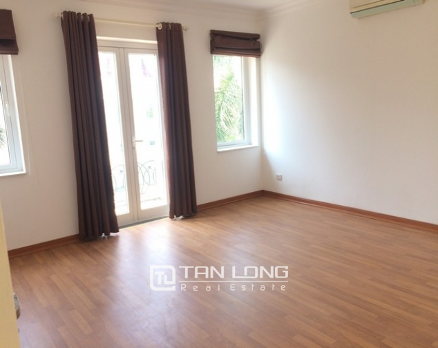 Spacious non furnished 4 bedroom villa for rent in T2, Ciputra 7