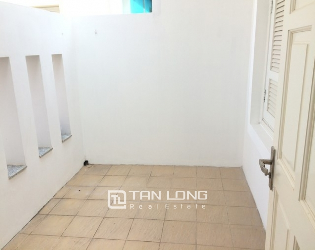 Spacious non furnished 4 bedroom villa for rent in T2, Ciputra 9