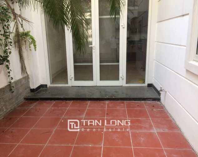 Spacious non furnished 4 bedroom villa for rent in T2, Ciputra 3