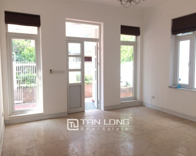 Spacious non furnished 4 bedroom villa for rent in T2, Ciputra 4