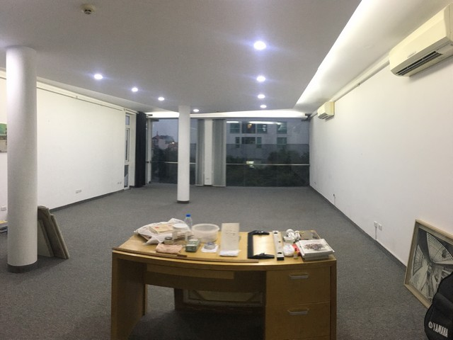 Spacious office in Dang Thai Mai street, Tay Ho dist for lease