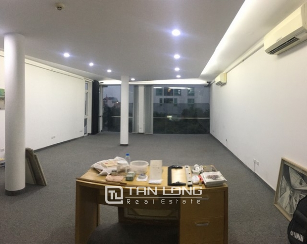 Spacious office in Dang Thai Mai street, Tay Ho dist for lease 1