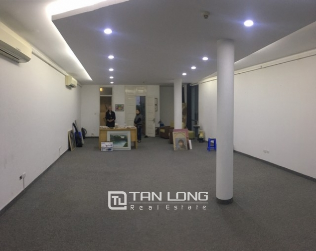 Spacious office in Dang Thai Mai street, Tay Ho dist for lease 2
