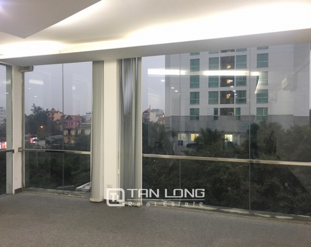 Spacious office in Dang Thai Mai street, Tay Ho dist for lease 3