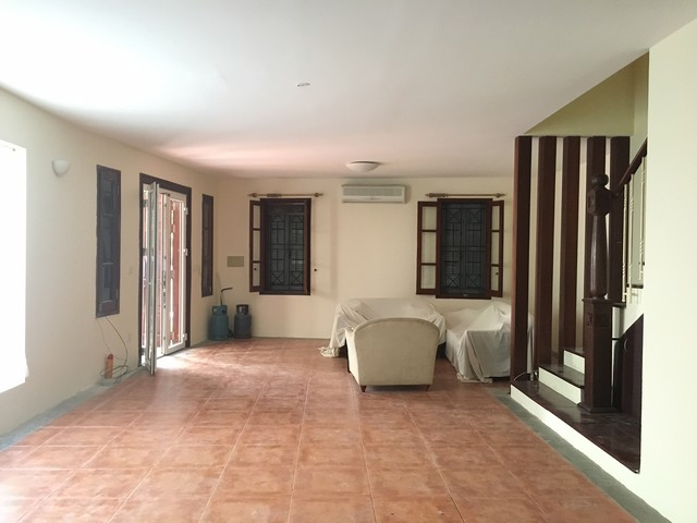 Spacious villa with 3 storeys, large garden in To Ngoc Van, Tay Ho for rent