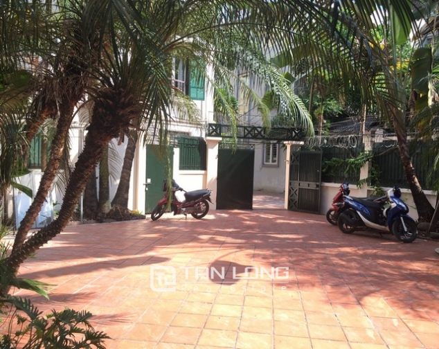 Spacious villa with 3 storeys, large garden in To Ngoc Van, Tay Ho for rent 1